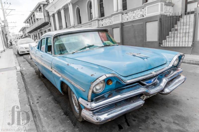 voiture-bleue-NB
