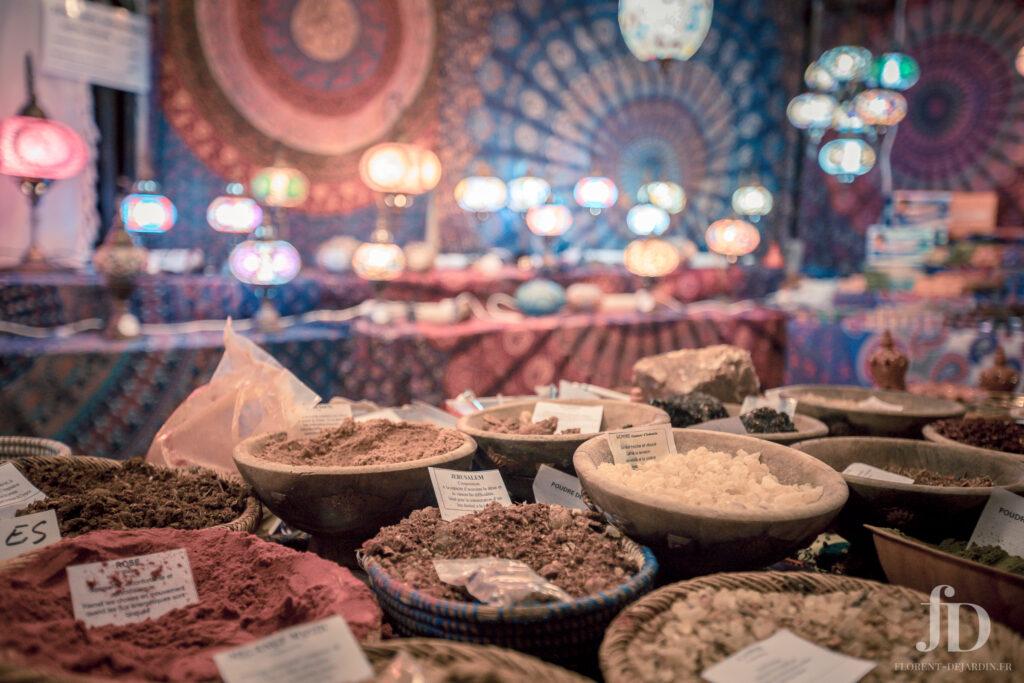 Photographie de paniers d'épices